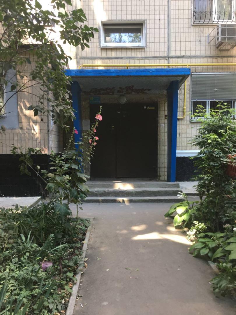 продажа многокомнатной квартиры номер A-165292 в Суворовском районе, фото номер 16